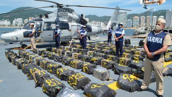 Két tonna kokaint halászott ki a Csendes-óceánon a mexikói haditengerészet