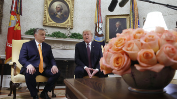 Orbán Viktor éppen a felesége Európa-bajnok lecsóját kavargatta, amikor váratlanul felhívta Donald Trump