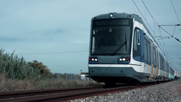 Lázár János exkluzív videót posztolt a tram-trainről