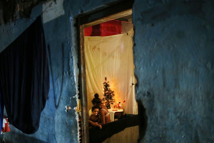 karácsony-favella2