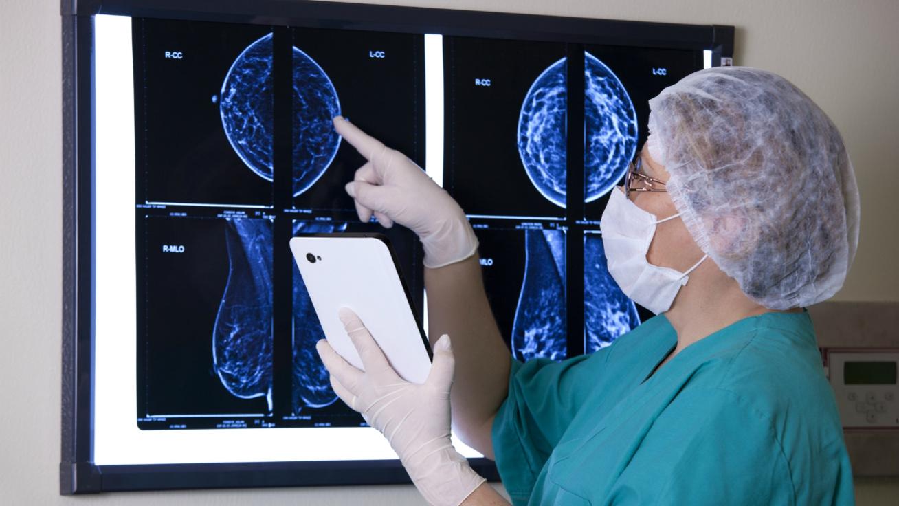 A mellrák korai felismerésének 3 legfontosabb módja - Járvány alatt sem szabad megfeledkezni róluk