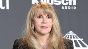 Stevie Nicks úgy nézett ki a botoxtól, mintha egy sátánista szekta tagja lenne