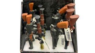 Lőfegyver formájú tollak