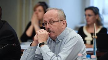 Niedermüller Péter ordítani tudna, mert elárulta egy DK-s képviselőtársa
