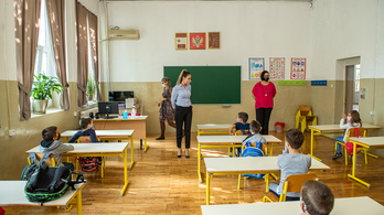 Montenegróban iskolákat zárnak be a járvány miatt