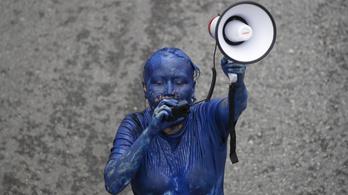 Már ötödik napja tüntetnek a thai monarchia reformjáért