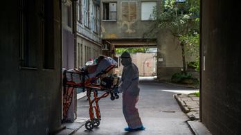 Már közel kétezer koronavírusos van kórházban, 31-en haltak meg tegnap
