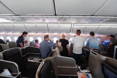 Qantas repülőjárat utasok