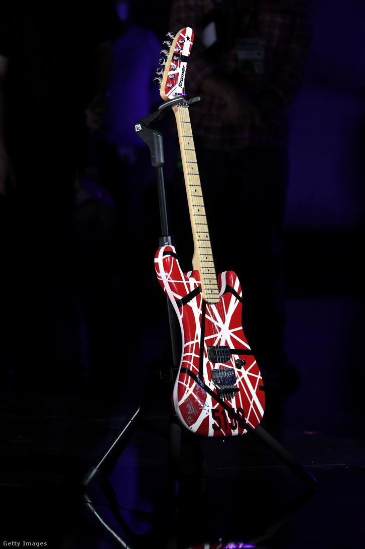 Eddie Van Halen EVH Charvel gitárja