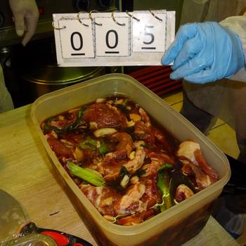 Budapesti távol-keleti éttermet zárt be a Nébih - 350 kilogramm romlott élelmiszert foglaltak le