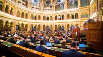 Megszavazta az Országgyűlés a törlesztési moratórium meghosszabbítását