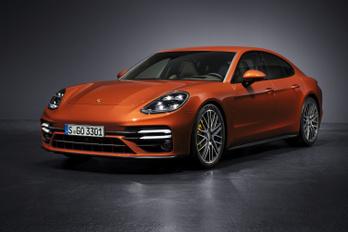 Megjöttek az új Porsche Panamerák