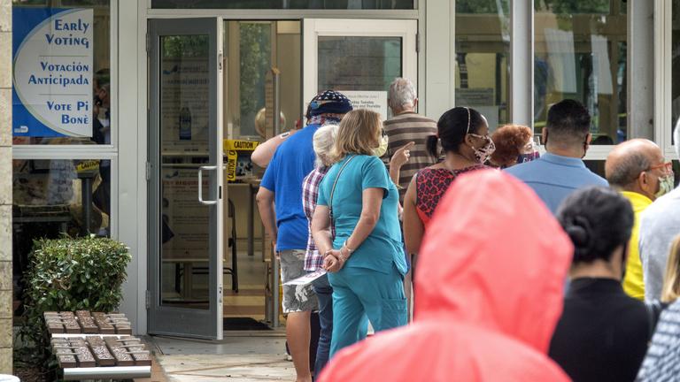 Florida már szavaz, van, aki szerint az USA-nak szívműtét kell