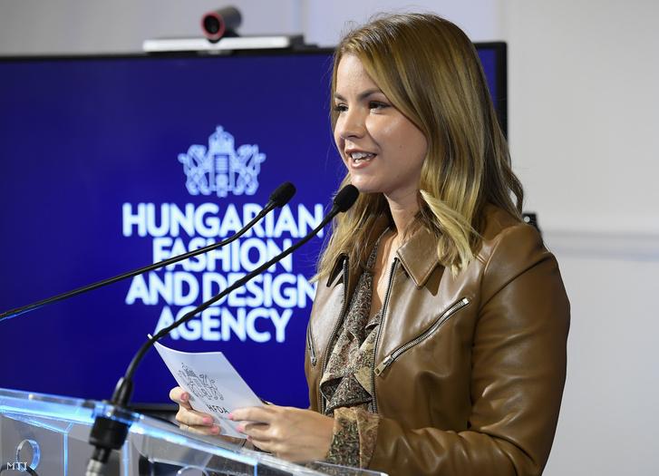 Bata-Jakab Zsófia a Magyar Divat Design Ügynökség vezetõje sajtótájékoztatót tart a divat- és designipari vállalkozásokat támogató 10 milliárd forint keretösszegû pályázat társadalmi egyeztetésérõl az Innovációs és Technológiai Minisztériumban 2020. október 15-én.