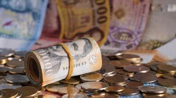 Kilencszázmilliót csalt ki, kilencmilliós vagyonelkobzásra ítélték