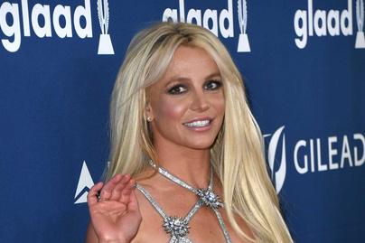 Britney Spears kígyómintás bikinije alig takart valamit: ilyen kihívó darabban mutatkozott