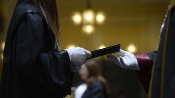A corvinusos diplomák érnek a legtöbbet