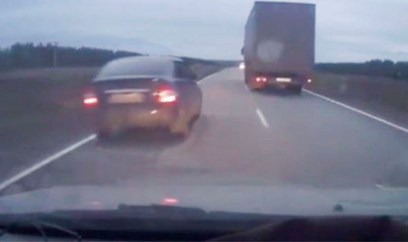 How-not-to-overtake-a-truck-805477
