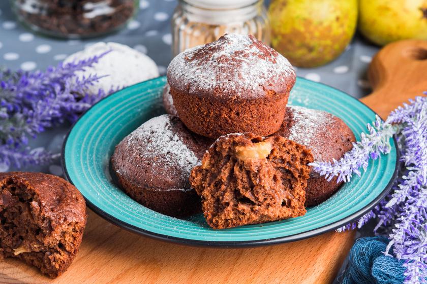 Pihe-puha csokis-körtés muffin: a gyümölcstől lesz szaftosabb a tészta