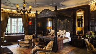 Ezt a kísértetjárta, luxushotellé alakított kastélyt 2,5 millió forintért bárki kibérelheti
