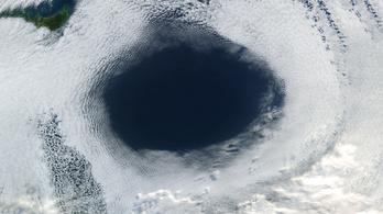 Hatalmas az ózonlyuk az Antarktisz felett