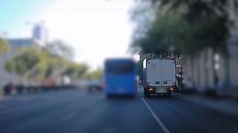 A buszsáv használatát ellenőrizték a rendőrök, akadt dolguk bőven – VIDEÓVAL