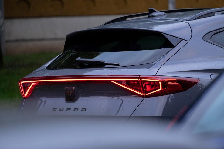 """Az egész autón sehol nem szerepel a """"Formentor"""" név. Csak a Cupra, de a járókelők azzal se mennek sokra"""