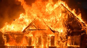 Pusztító szerelem: felgyújtotta volt élettársa házát