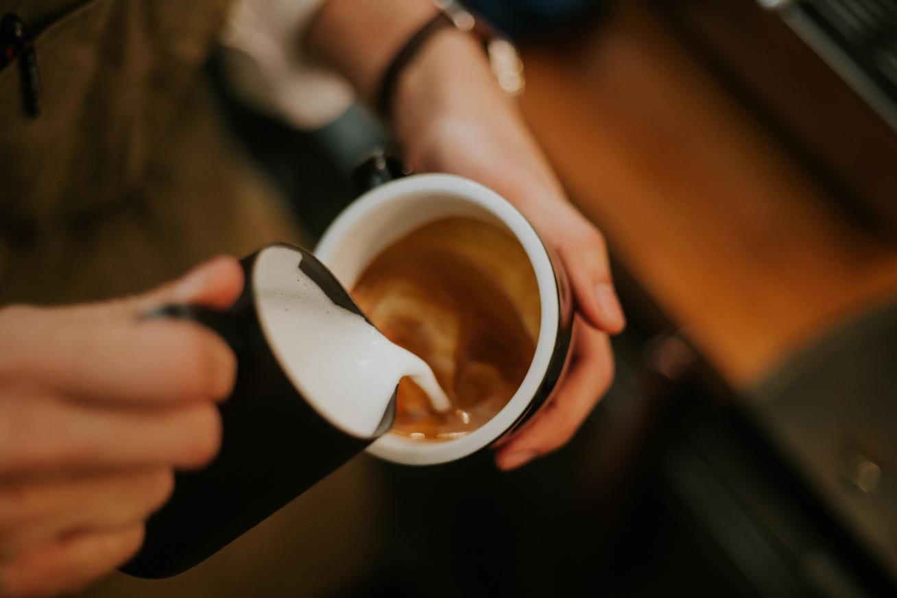kávé-alakzatok-borító