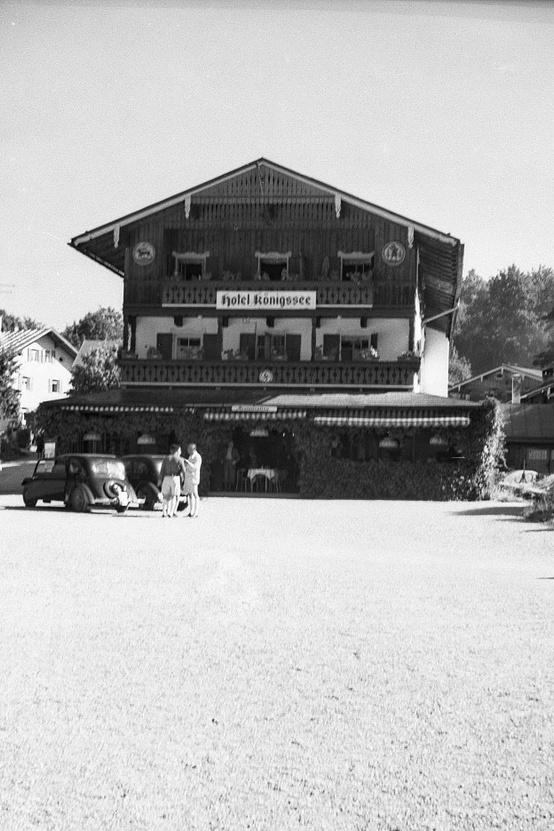 Ez itt a Hotel Koenigssee, ma is megvan!
