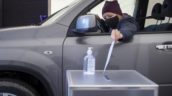 Az autós misék után a járvány elhozta az autós szavazófülkét is