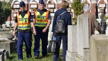 Itt a rendőrség tízparancsolata mindenszentek és halottak napja előtt