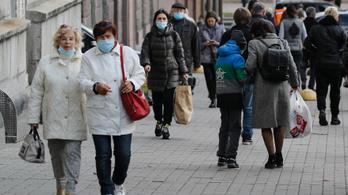 Az 50-60 év közötti nők a legfogékonyabbak a koronavírusra
