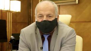 Vendéglőbe ment, belebukott a cseh egészségügyi miniszter