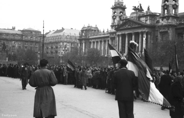 Kossuth tér – 1956