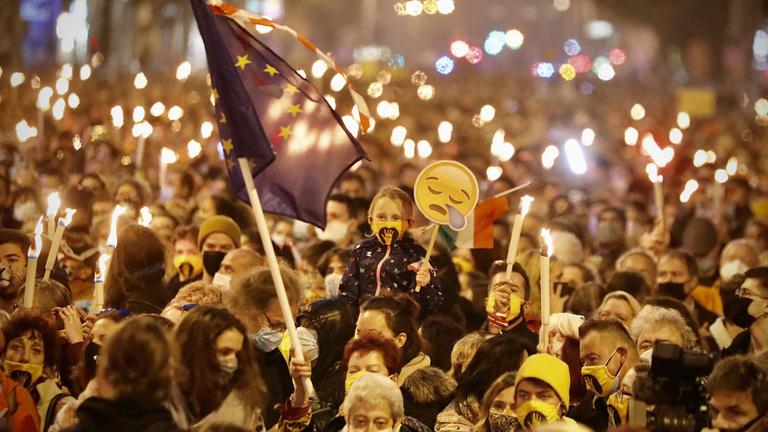 Hol a demokrácia, csókolom? – Percről percre október 23-ról