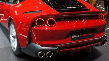Kínos hiba miatt indít visszahívást a Ferrari