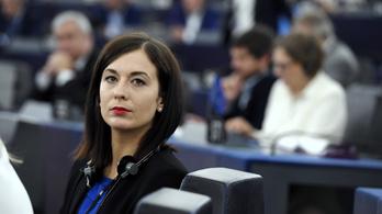 Cseh Katalin szólt, ő is szívesen felugrana a fideszesek 35 millió forintos bulivonatára