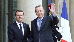 Erdogan elmeorvosi vizsgálatot ajánlott Macronnak
