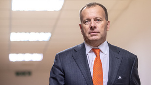 Súlyosan megsérült egy autóbalesetben a szlovák parlament elnöke