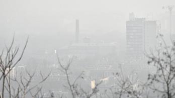 Két magyar településen már levegőt venni is veszélyes
