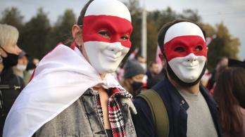 Több száz tüntetőt vettek őrizetbe a belarusz ellenzéki megmozdulásokon
