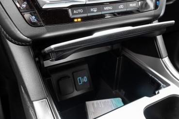 A képen egy Daewoo Matiz csomagtartója, ja nem, ez csak a középső tároló