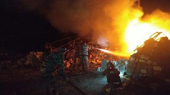 Életbe lépett a tűzszünet, azonnal folytatódtak a harcok Hegyi-Karabahban