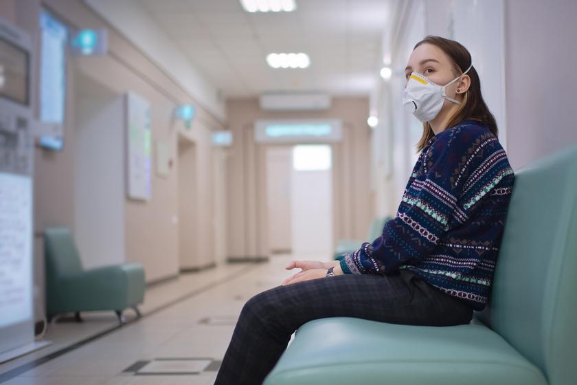 maszk varoterem orvosi vizsgalat korhaz