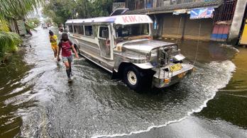 A pusztító tájfun miatt huszonötezer embernek kellett elhagynia otthonát a Fülöp-szigeteken