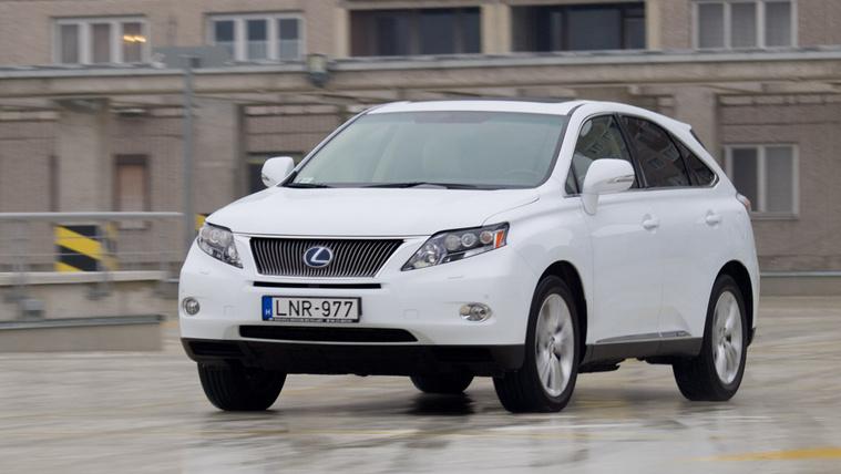 Ötmillióig családi: korosabb Lexus vagy újabb Mazda?