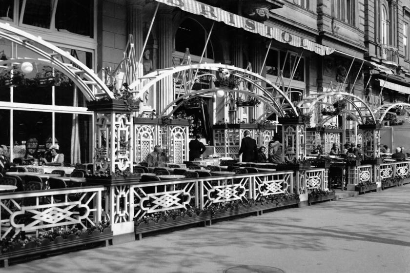 Bristol Hotel, 1943.