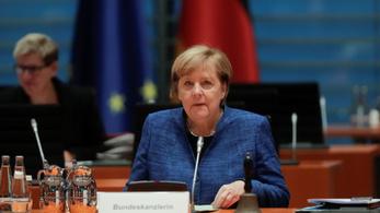 Angela Merkel: Nagyon, nagyon nehéz hónapoknak nézünk elébe