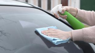 Így tisztítsd meg az autód szélvédőjét – bónusz ablakmosórecepttel